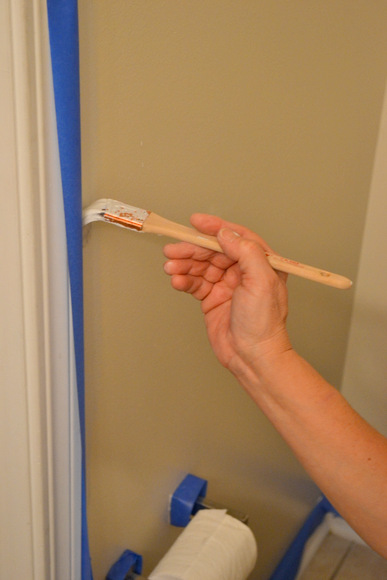 Edging-With-a-paint-brush