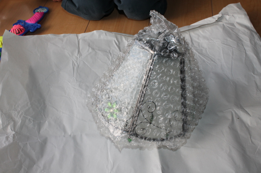 Wrap the Lampshade in Bubblewrap
