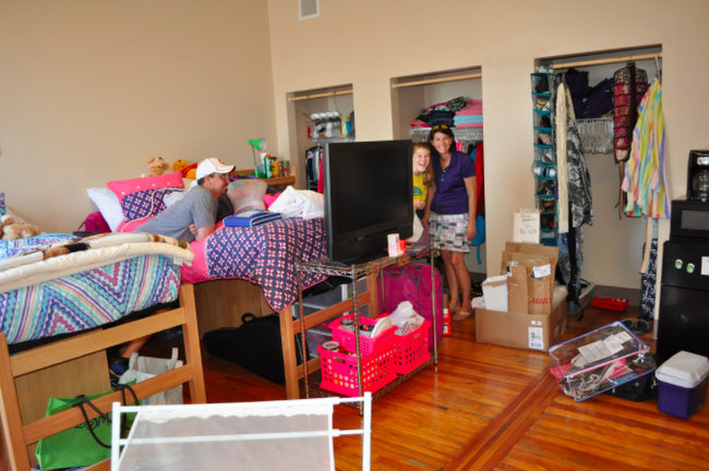 college dorm move in
