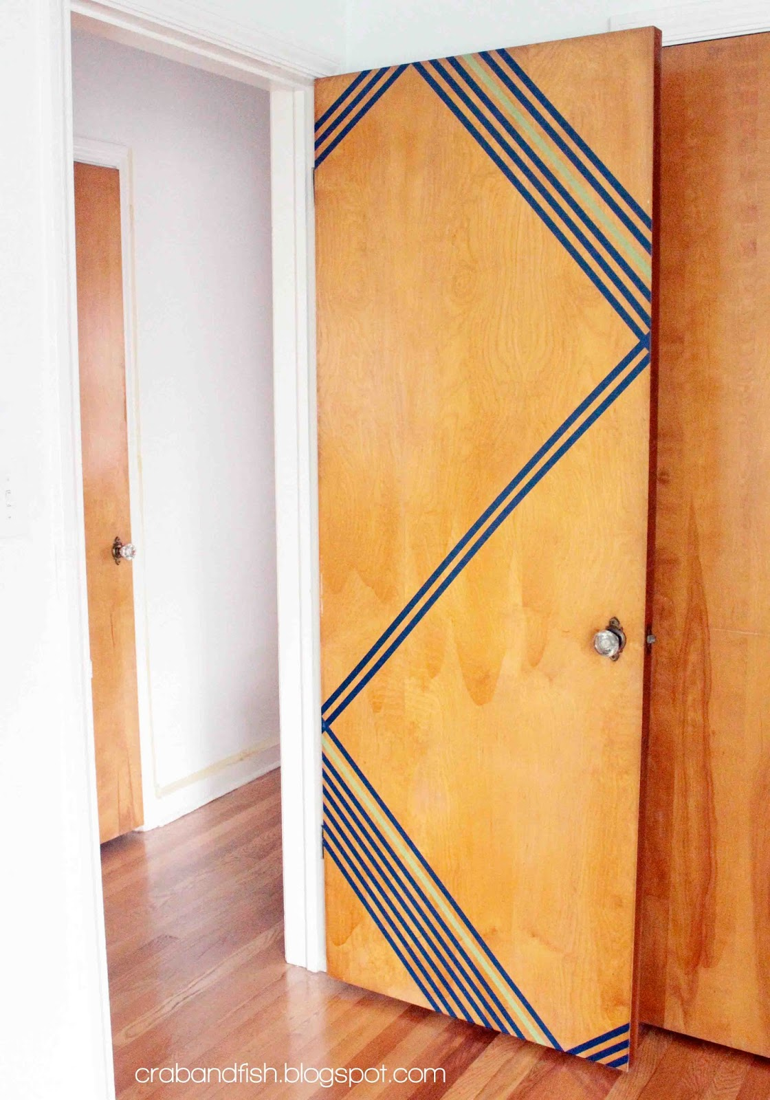 Dorm Room Ideas: DIY Room Decor - Door Designs